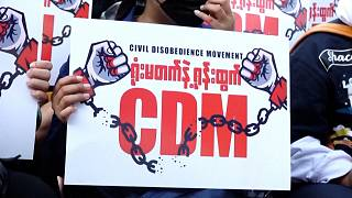 صدها نفر از معترضان به کودتای ارتش میانمار بار دیگر در یانگون تظاهرات کردند