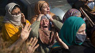 Gyászolnak az áldozatok hozzátartozói
