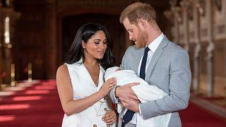 هاري وميغان بصحبة مولودهما الأول
