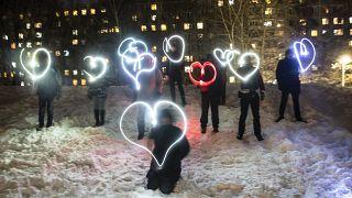 Licht und Liebe sind stärker als Angst: Die Botschaft des Protests