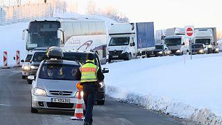 Alman polisi, Çek Cumhuriyeti sınırında kontrol yaparken