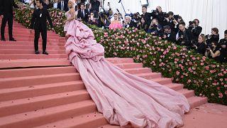 نيكي ميناج خلال حفل فني للأزياء في نيويورك. 2019/05/06