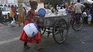 أزمة المياه الصالحة للشرب في نيودلهي.