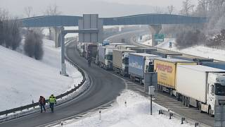 Lines of traffic formed on two highways leading from the Czech Republic to Germany due to border controls