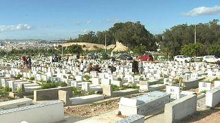 تفشي وباء كوفيد-19 يحروم التونسيين من توديع أحبائهم