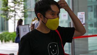 """الناشط """" جولوفان وام """" يصل إلى محكمة الدولة في سنغافورة في 15  شباط / فبراير 2021"""