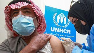 شروع واکسیناسیون علیه کرونا در اردوگاه پناهجویان سوری در اردن