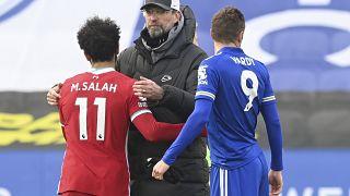 Jürgen Klopp bei Liverpools Niederlage gegen Leicester City am vergangenen Wochenende (mit den Star-Stürmern Mohammed Salah und James Vardy)