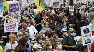 Algérie : lourdes peines pour des militants du Hirak
