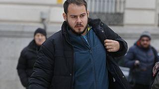 """""""Crimini di espressione"""", arrestato Pablo Hasél: rap contro la monarchia"""