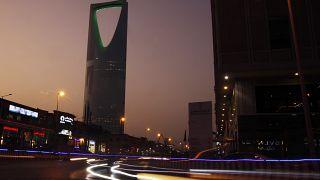 السعودية نيوز |      السعودية: وقف التعامل مع الشركات الأجنبية ما لم تنقل مقارها الإقليمية إلى المملكة