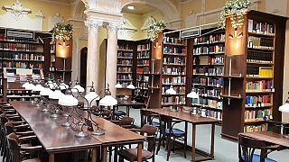 Covid-19: Bibliotecas de Budapeste espalharam-se pela cidade