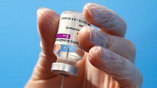 DSÖ'den AstraZeneca'nın koronavirüs aşısına acil kullanım onayı