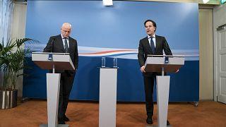 Hollanda Başbakanı Mark Rutte ile Adalet ve Güvenlik Bakanı Ferd Grapperhaus, Covid-19 önlemleriyle ilgili basın toplantısı düzenledi
