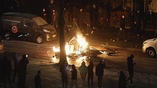 В Нидерландах действует один из самых строгих локдаунов в Европе. Недовольство выливается в уличные протесты.
