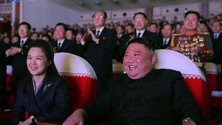 الزعيم الكوري الشمالي كيم جونغ أون  وزوجته ري سول جو