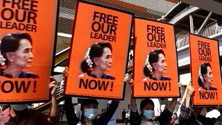 Az eddigi legnagyobb tüntetést tartották Mianmarban