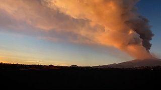 Une spectaculaire éruption de l'Etna