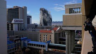 El derribo del antiguo casino Trump Plaza el miércoles 17 de febrero de 2021, en Atlantic City, Nueva Jersey.