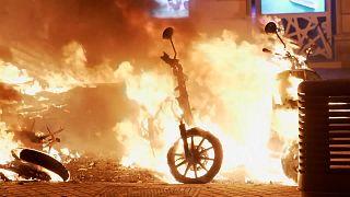 Confrontos entre manifestantes e polícia em Espanha