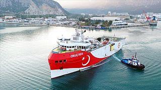 Oruç Reis sismik araştırma gemisinin Doğu Akdeniz'deki faaliyetleri Yunanistan ile Türkiye arasındaki ilişkilerde tansiyonu artırmıştı.
