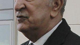 Algérie : remaniement ministériel et dissolution du Parlement