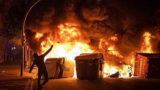 Terceira noite de protestos e violência em Espanha