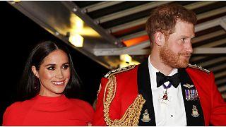 هاري وميغن يفقدان نهائيا كل ألقابهما الرسمية في العائلة الملكية