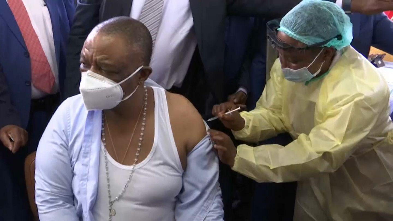 Vaccination : le G7 s'engage pour les pays pauvres | Euronews