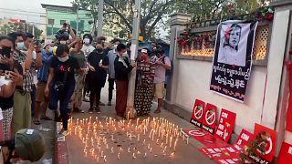 معترضان به کودتا در میانمار یاد زن جوان کشته شده را گرامی داشتند