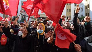 Tunisair staff protest the freezing of assets by Turkish company