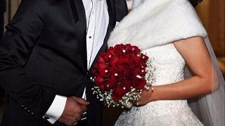 Evlenen bir çift