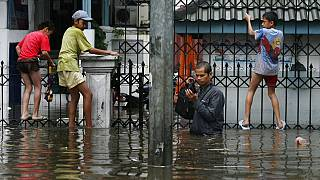 El nivel de las aguas ha subido en varios distritos de Yakarta