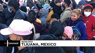 Des migrants sud-américains attendent de pouvoir entrer légalement aux États-Unis