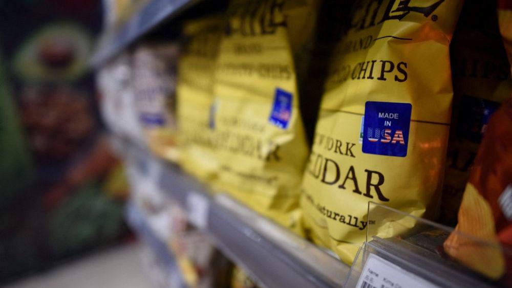 """""""Guck mal bei den Chips"""" Überwachungskamera filmt Tanz im Supermarkt"""