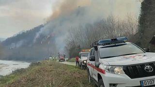Der Waldbrand brach auf der spanischen Seite des Baskenlandes in der Provinz Navarra aus
