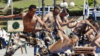 عناصر من الجيش الجزائري أثناء التدريب