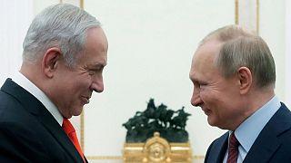ولادیمیر پوتین، رئیس جمهوری روسیه(راست) و بنیامین نتانیاهو، نخست وزیر اسرائیل(چپ)