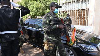Nijer'de cumhurbaşkanlığı seçimleri sırasında, komisyon üyelerini taşıyan araca bombalı saldırı düzenlendi.