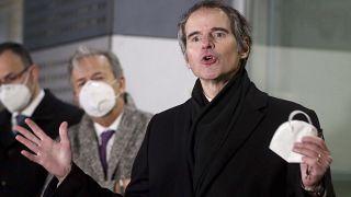 رافائل گروسی، مدیرکل آژانس بینالمللی انرژی اتمی در فرودگاه وین