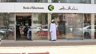 Le Soudan dévalue sa monnaie face au risque d'inflation