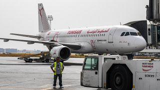 طائرة تابعة للخطوط التونسية في مطار تونس قرطاج. 2020/06/27