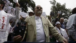 أنيس النقاش خلال مظاهرة مطالبة بإطلاق سراح جورج عبد الله من السجون الفرنسية