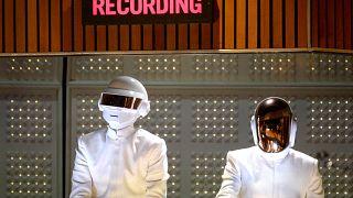 الموسيقيان الفرنسيان توماس بانغالتر وجي مانويل دي هوميم كريستو، عضوا فرقة دافت بانك الشهيرة