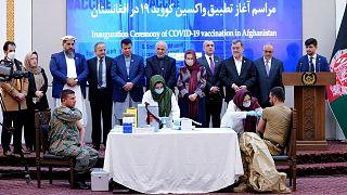 آغاز رسمی کارزار واکسیناسیون کرونا در افغانستان