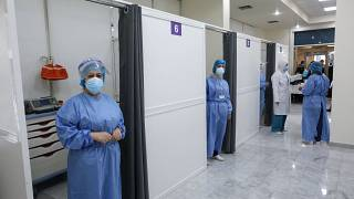 مستشفى رفيق الحريري في العاصمة بيروت، 14 فبراير 2021، حيث بدأت البلاد حملتها للتلقيح