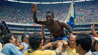 """""""Pelé"""", le nouveau documentaire produit par Netflix sur les (petits) écrans"""