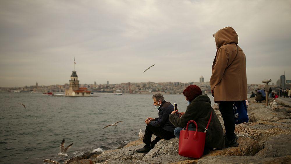 Türkiye'de Covid-19 salgını: 75 kişi yaşamını yitirdi, 9 bin 107 yeni vaka tespit edildi