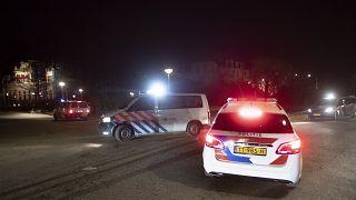 دوريات للشرطة الهولندية في أمستردام بعد مداهمة حفلة ممنوعة