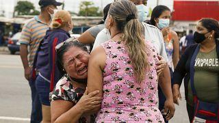 75 Tote: Bandenkrieg in ecuadorianischen Gefängnissen